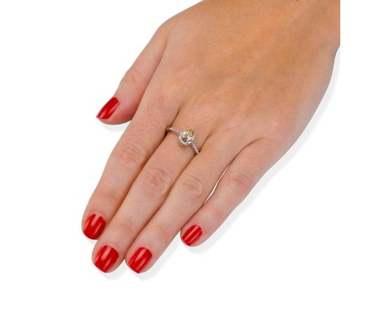 14K White Gold Ring Inlaid With Diamond 0.6 Ct, Drop Shape, And 30 Diamonds 0.005 Ct, TCW 0.75