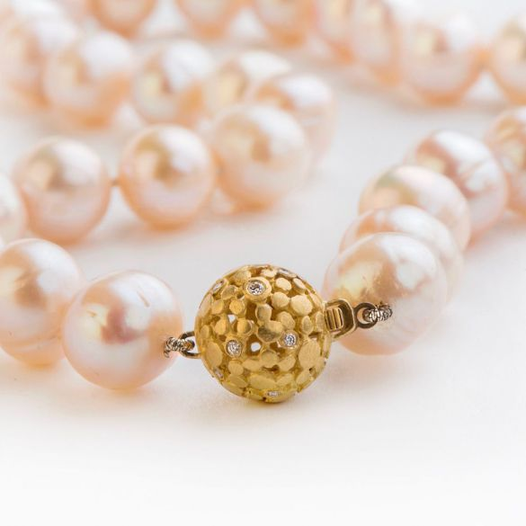 PEATCH PEARLS STRING & LACE BALL