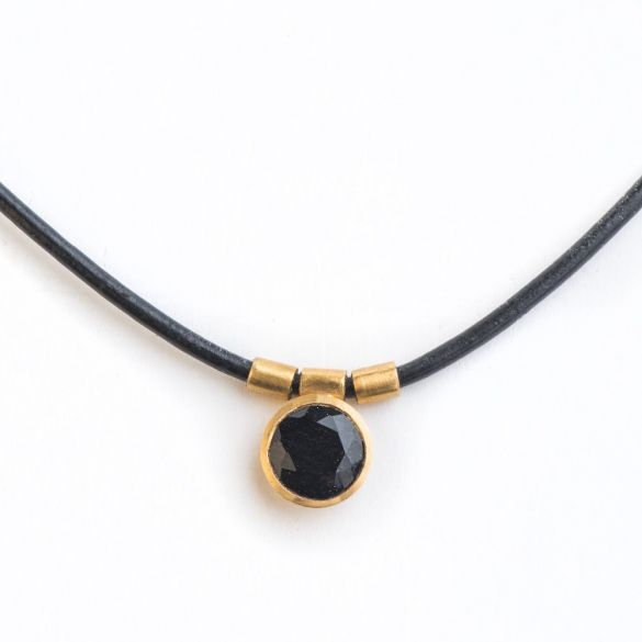 BLACK ROUND CHOCKER