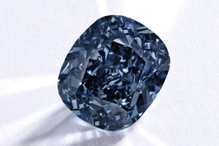 Blue Diamond Of Josephine