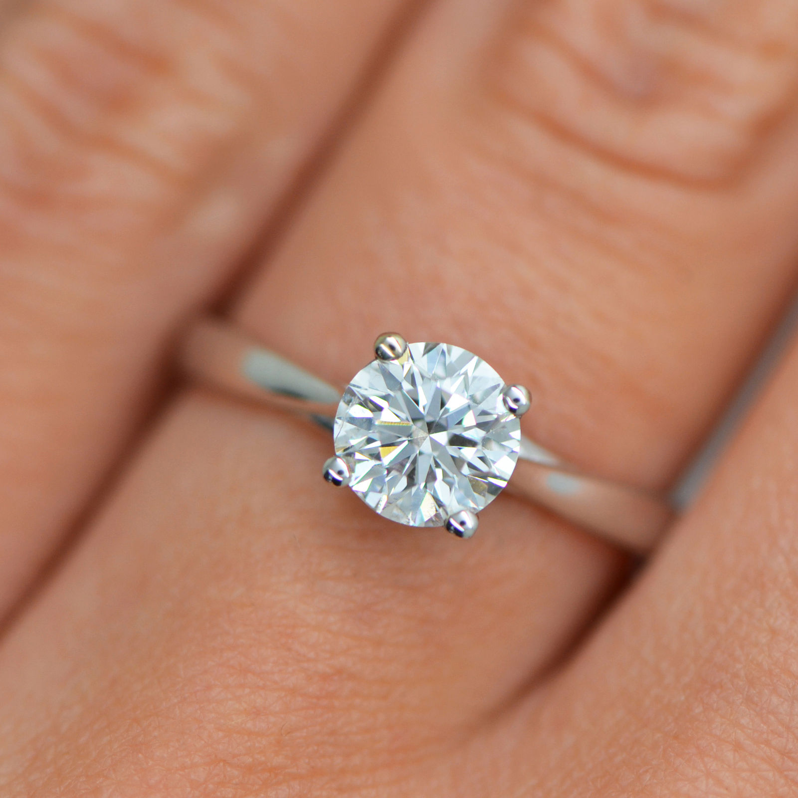 1 Carat Round Cut F/VS2 Diamond Solitaire Engagement Ring ...