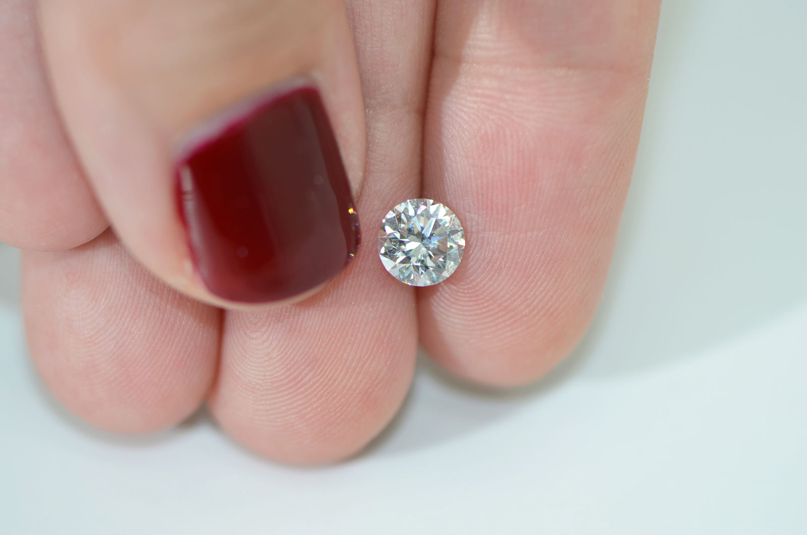 1 Carat Round Shaped G VS2 Eye Clean Natural Diamond Enhanced For ...